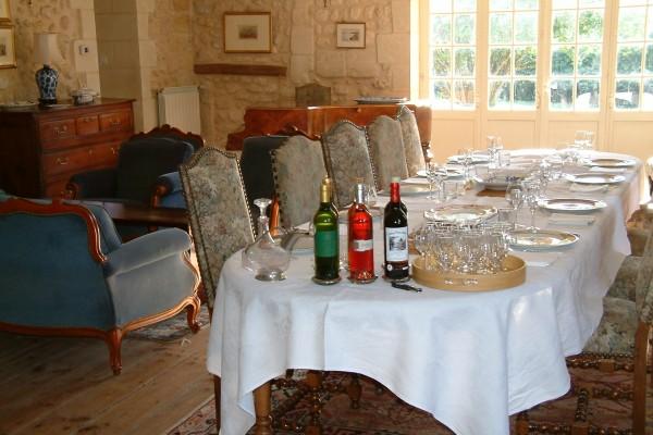 Bed breakfast in pr s de saint emilion naujan et for Chambre d hote st emilion