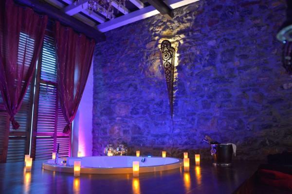 H tel de charme harz le nirvana for Chambre de luxe avec jacuzzi belgique